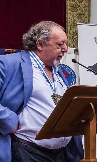 cofrade-de-honor-cofradia-del-desarme-2017-adolfo-casaprima