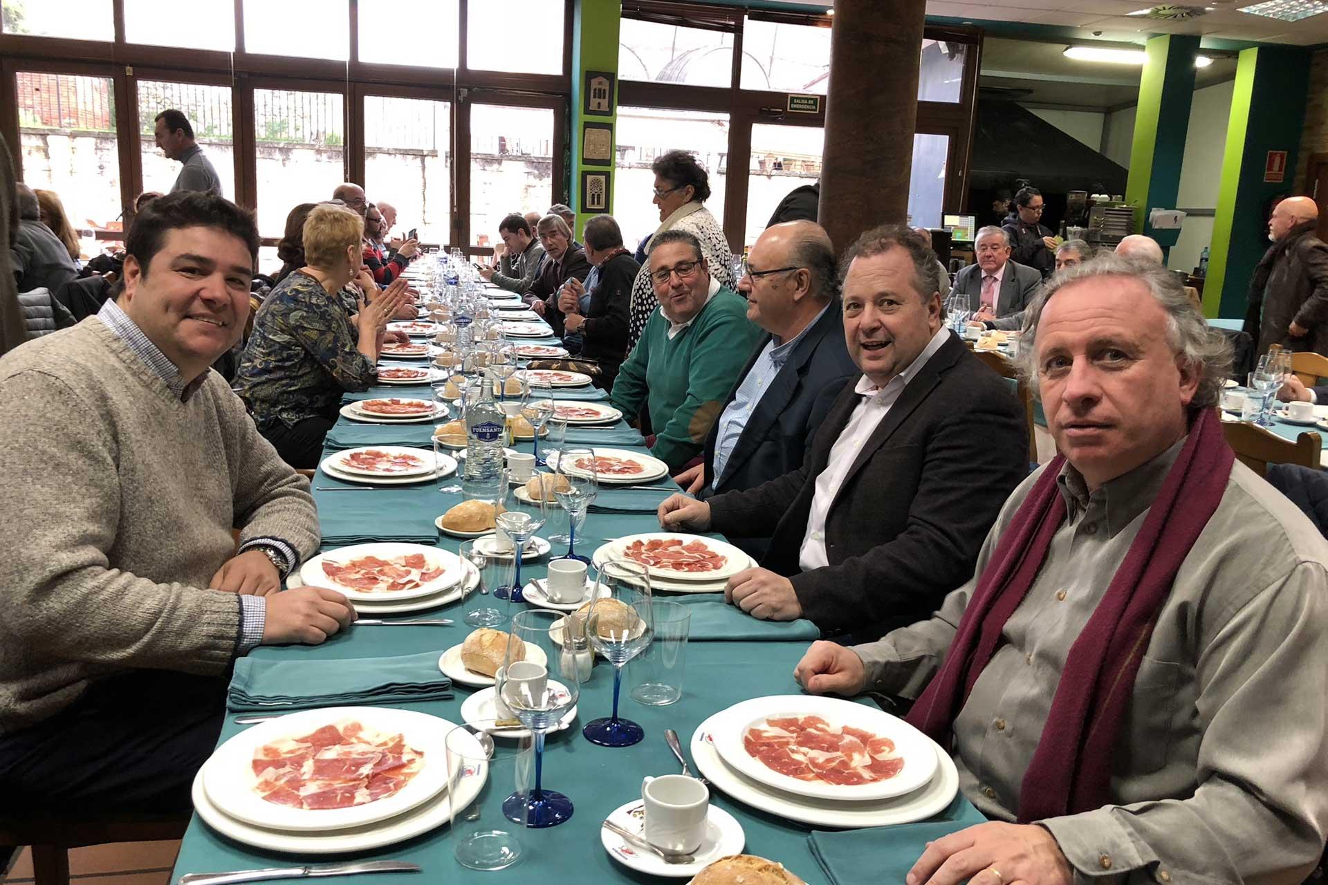 Los Gastrónomos del Yumay entregan el Álvaro Cunqueiro el