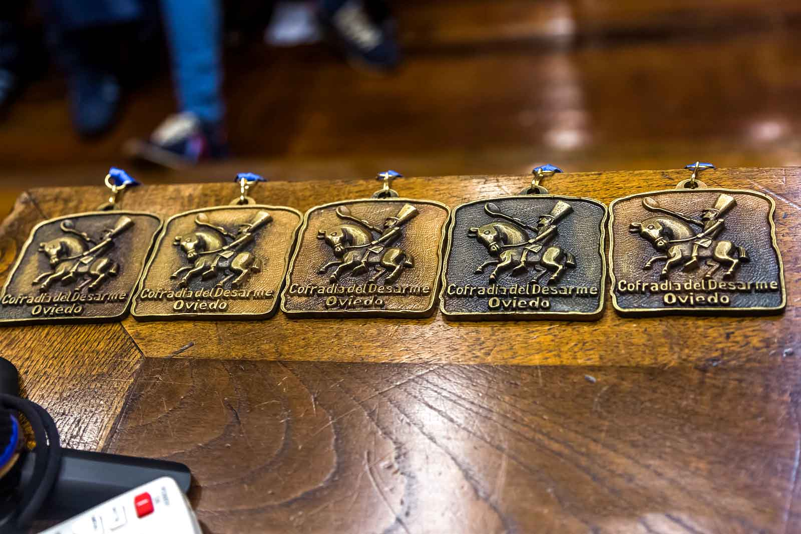 medallas-cofradia-del-desarme